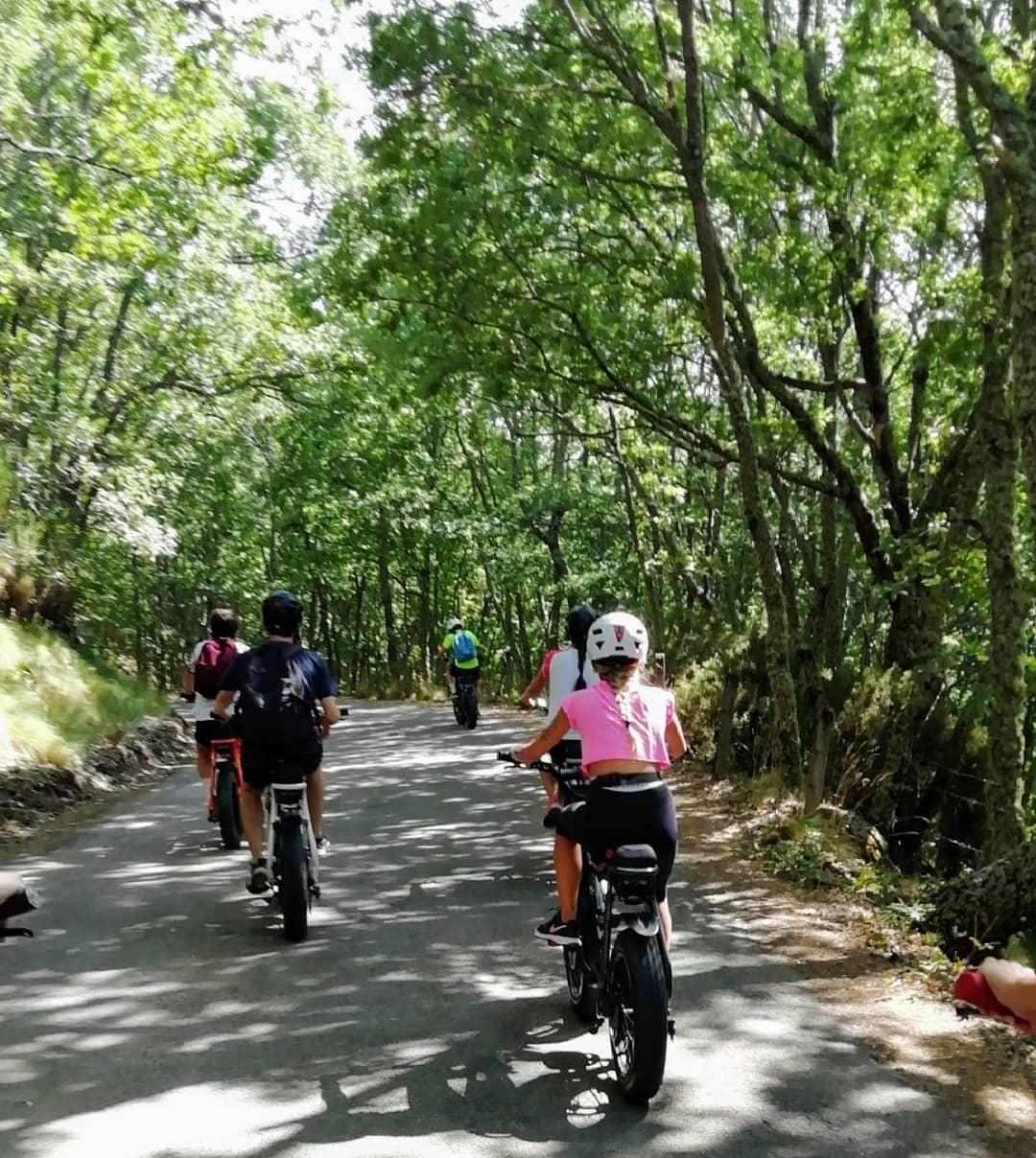 Bici eléctrica en Candelario  + embutidos en Guijuelo .