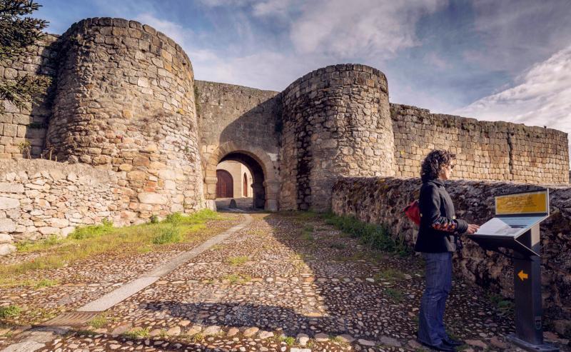 Los cuatro castillos de la frontera.